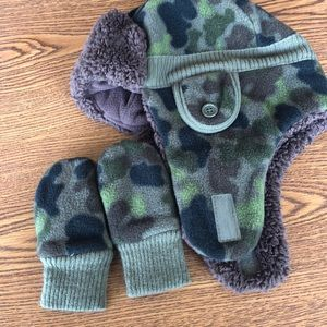 Baby Gap / Hat and Mittens